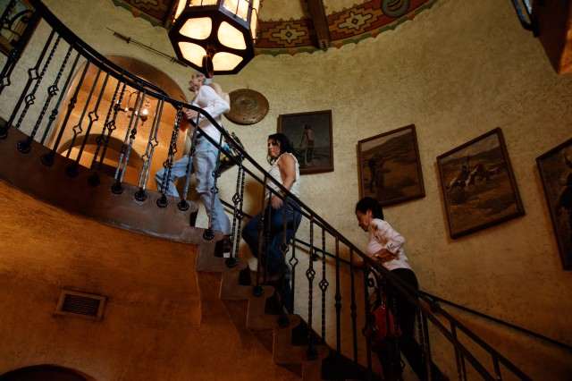 Photo of the interior staircase at the hart mansion